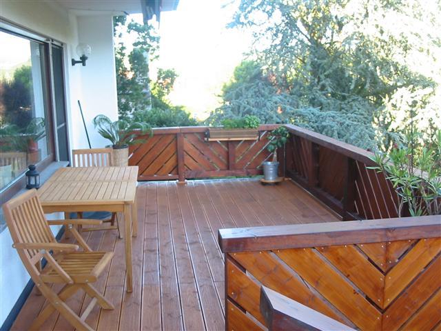 Balkon mit Dielenbelag (Klein)