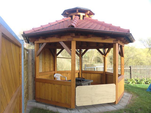 Grillpavillon mit Biberschwanzeindeckung (Klein)