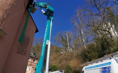 Sicherungsmaßnahmen an der Kath. Kirche in Heimbach mit Sonderarbeitsgerät